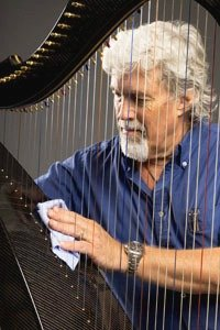 Dave Woodworth with black Delight carbon fiber harp